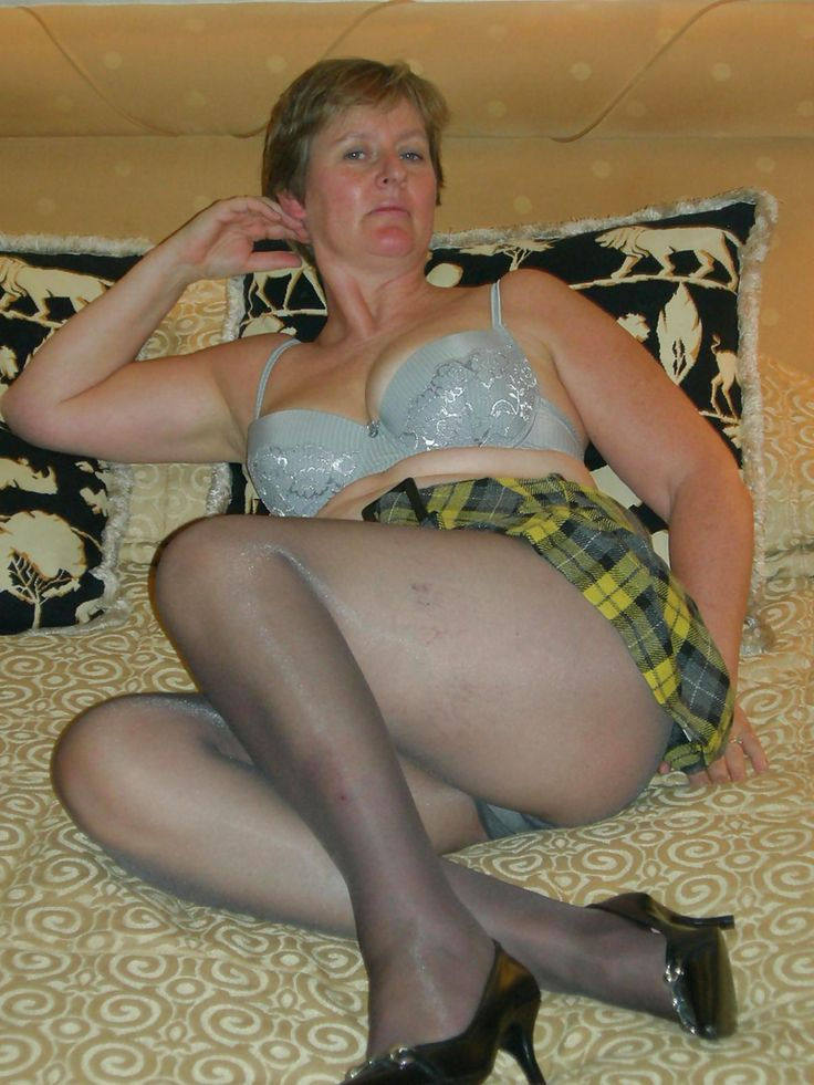 Grandma In Pantyhose 40