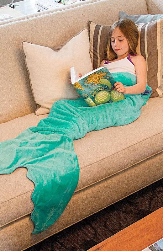 Aqua mermaid tail blankie. Officially the coolest kids' gift - ours are flipping…