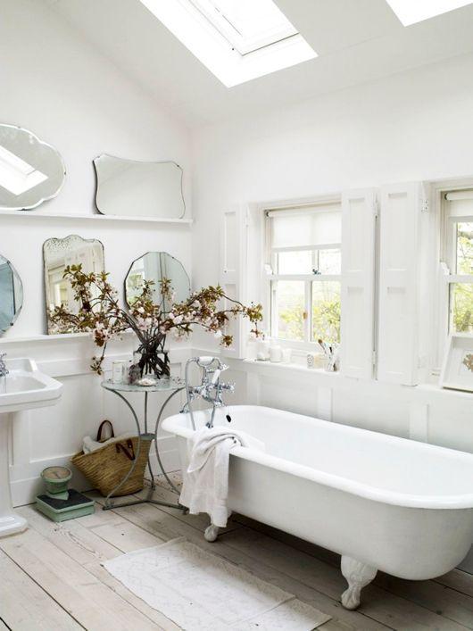 Vintage style bathroom LOVE!