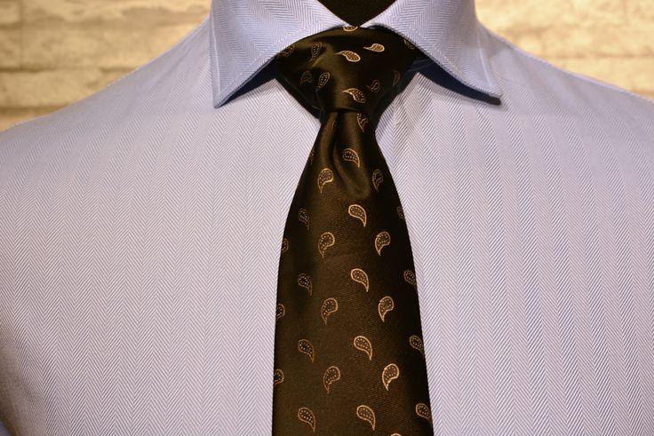 Herringbone is perfect pattern for the classic light blue shirt. http://www.raatalistudio.fi/