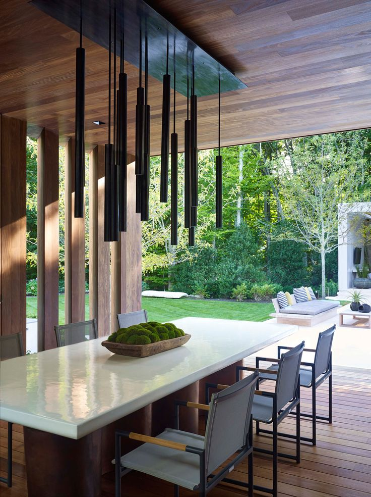 A Modern East Hampton Home Gets a Dramatic Renovation - Design Milk