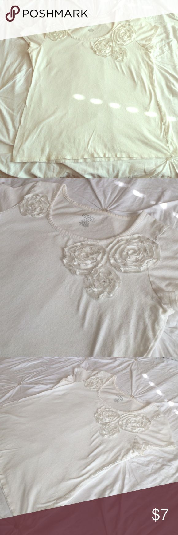 Cream Tee with Flowers Has some wear to it; reflected in the price! Perfect casual tee for spring! Merona Tops
