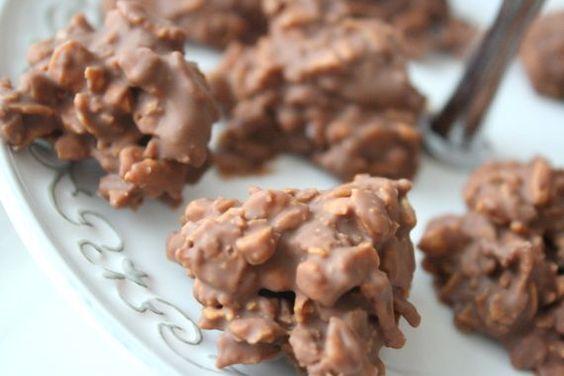 Måste tipsa om detta superenkla chokladgodis som jag bakade häromdagen. Dessa Daim Rocks är verkligen försvinnande goda! Det du behöver är : 200 gram mjölkchoklad med Daim 1 1/2 – 2 dl cornflakes ( ta lite i taget ) Gör så här : Smält mjölkchokladen över ett vattenbad, smula ner cornflakes lite … Läs mer