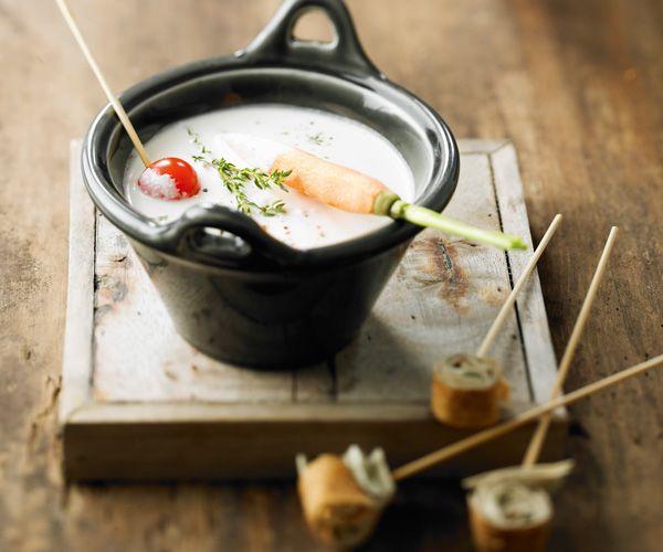 fondue au ch vre miel et thym recette l gumes et fondue. Black Bedroom Furniture Sets. Home Design Ideas
