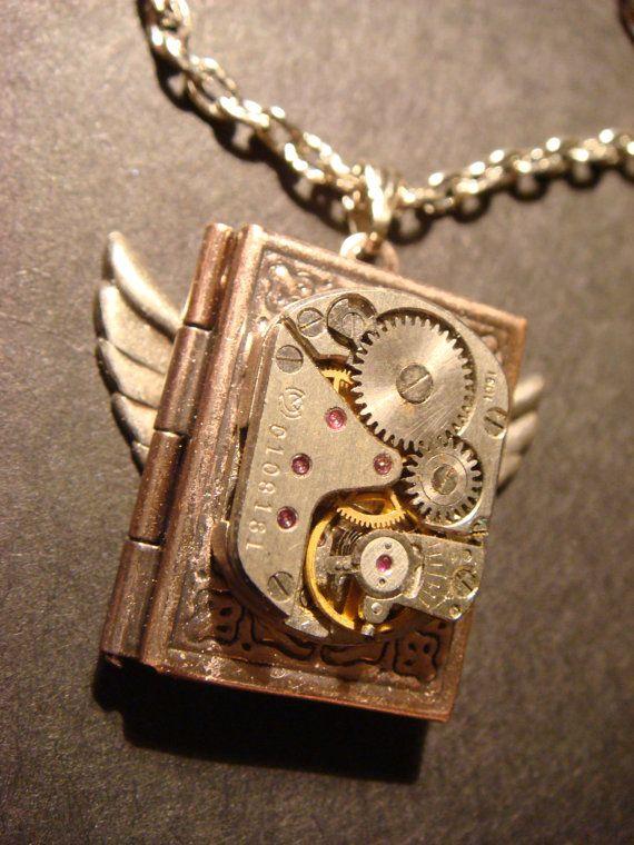 Steampunk Neo Victorian Watch Movement LOCKET