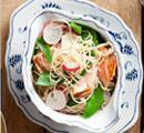 Recept: Zalm-noedelsalade met radijs