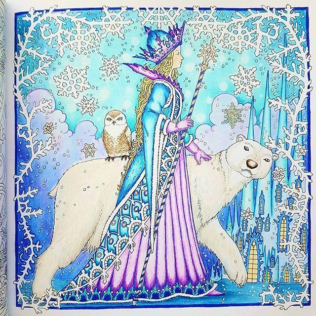 Merry Christmas my friends ✨. Zemlja Snova by:@tomislavtomic #zemljasnova #tomislavtomic #prismas #coloringforadults #sztukakolorowania #kolorowankadladoroslych #creativelycoloring #relax #arttherapy #color #colorindolivrostop
