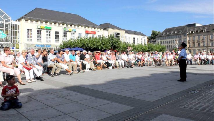 12.08.2012 #Sommerkonzert SDKV. #Saarlouis #Kleiner #Markt  #Saarland #Auf #dem #Kleinen #Markt #Saarlouis #fand #das #dritte #Sommerkonzert #des Stadtverbandes #der #kulturellen #Vereine #statt.   #Den #Anfang machte #der Spiel- #und  #Fanfarenzug #der #Feuerwehr #Ost #unter #der Ltg. #von #Alfred #Lay #Saarlouis #Saarland http://saar.city/?p=76590