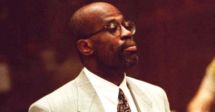 Former prosecutor Chris Darden said in a new interview that he believes O.J. Simpson confessed to the murder of Nicole Brown Simpson during his trial — see what he said