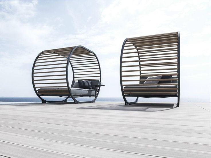 CRADLE Garden daybed by Gloster design Henrik Pedersen