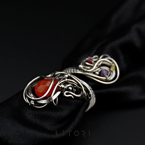 Okazały, srebrny pierścień z karneolem