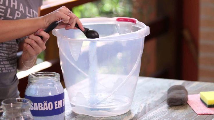 Como limpar o box e deixá-lo livre das manchas de gordura