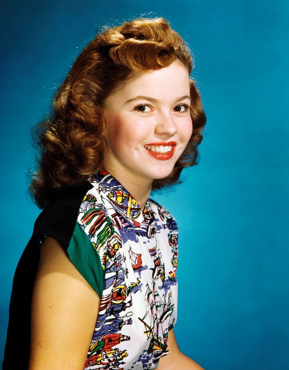 Shirley Temple looking cute as a button in a vivid novelty print. #vintage #actresses #fashion