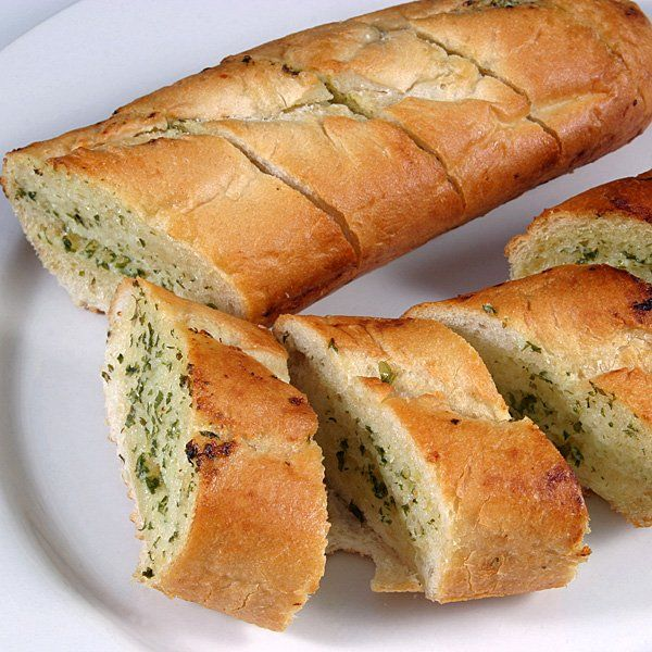 El pan de ajo, un aperitivo o un acompañante ideal para las comidas de los niños