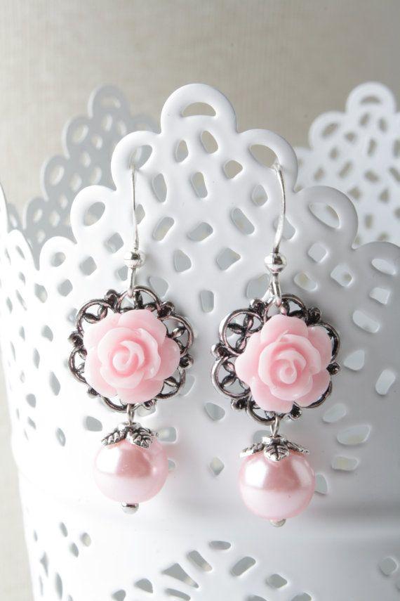 Pink rose earrings - bridesmaid earrings - shabby-chic - flower jewelry - vintage style earrings - pink wedding - pearl earrings