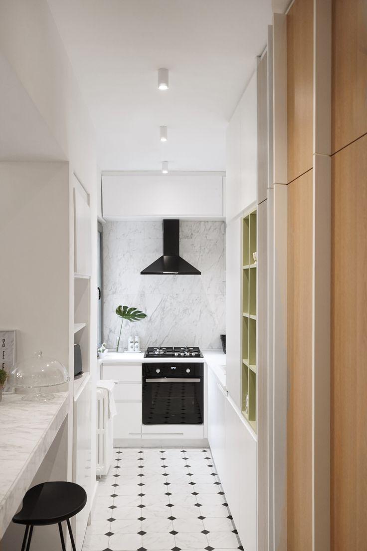 Marble kitchen design in Bucharest. www.iokadesign.ro