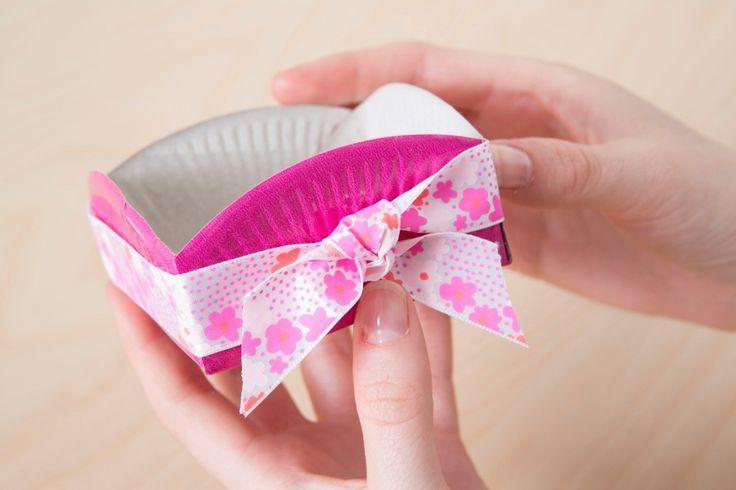 fabriquer un bol avec une assiette en carton la belle. Black Bedroom Furniture Sets. Home Design Ideas