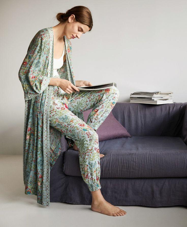 Indian floral bath robe - Robe - Pyjamas and homewear Cute Pajama Sets, Cute Pajamas, Pajamas Women, Sleepwear Women, Lazy Outfits, Fashion Outfits, Womens Fashion, Fashion Tips, Lingerie Sleepwear
