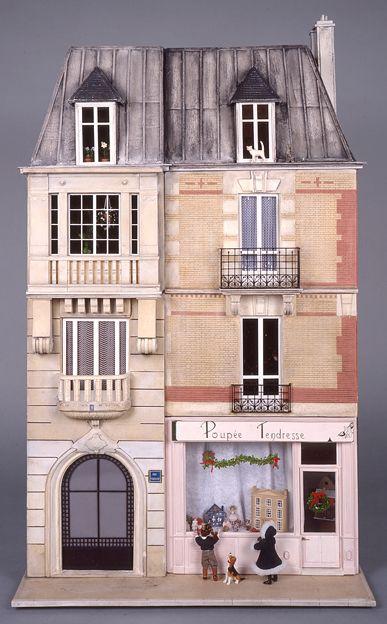Musée de la Poupée-Paris collection of contemporary doll houses belonging to Madame Ingeborg Riesser: Poupee Tendresse