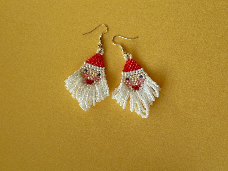 Funny #santaclaus earrings :) Not my desing. #beading #earrings #brickstitch #christmas #holidays #jewelry #świąteczne #kolczyki #mikołaj