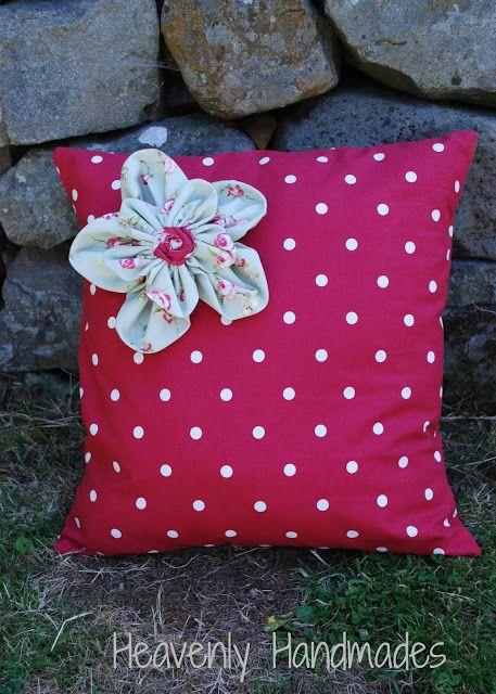 Heavenly Handmades: dotty cushion!