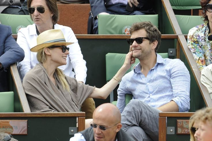 Diane Kruger and Joshua Jackson. THEY ARE SO CUTE.