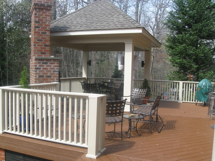Trex Transcends Tree House Composite Deck Witha Hip Roof
