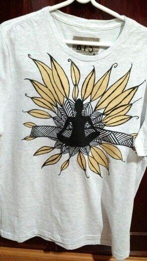 Camiseta pintada a mão! Exclusiva! #ateliertaisschiavini