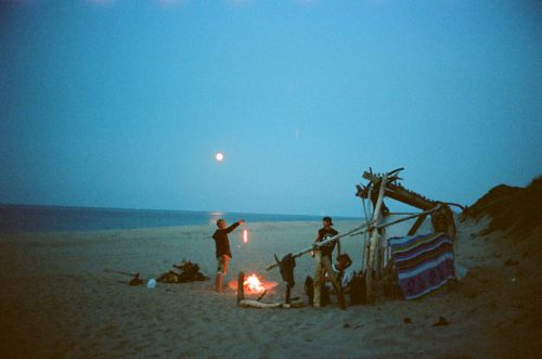 Nothing better than a good old fashioned Bon fire by the beach.