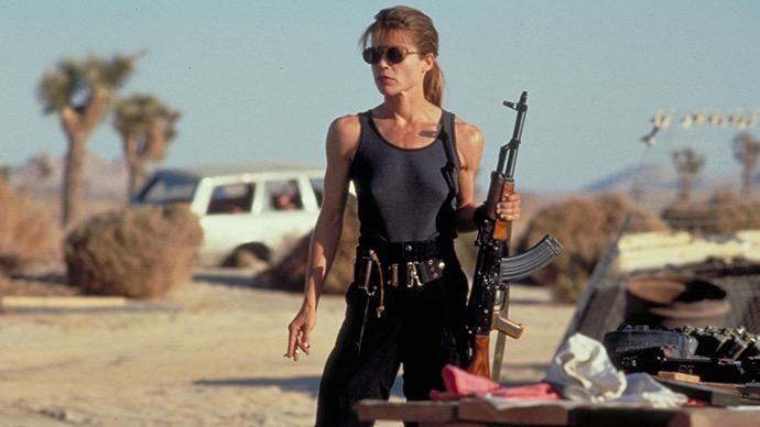 映画史上最初にタンクトップでアクションをこなした女優さんって誰なんだろう?