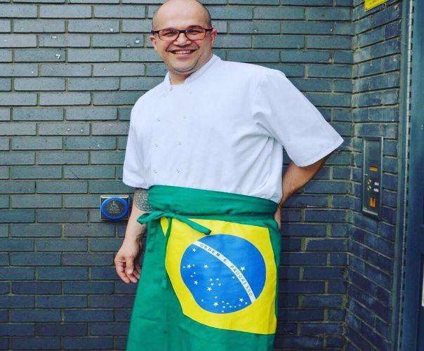 Flavio Amaral, giovane cuoco brasiliano, qualificato a Kingsway College, è stato lo chef di cucina nella residenza ufficiale dell'ambasciatore del Brasile a Londra.  E' anche responsabile, insieme a Junior Menezes, editorialista, di un progetto che riflette la passione per la gastron