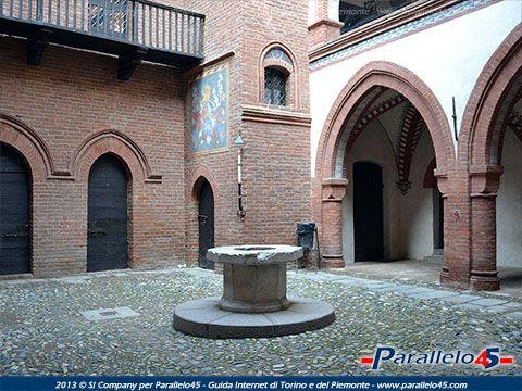 Un suggestivo scorcio all'interno del Borgo Medievale di Torino #borgomedievale #torino #parcodelvalentino Altre immagini su http://www.parallelo45.com/p45gallery_display.asp?Foto=1524&Cat=5001&NR=2