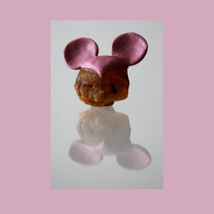 "foto: Marta Sulkowska /Adriana Lisowska ""Amber Mickey"" amber in a cap (2009)"