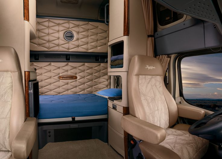 Freightliner Cascadia Big Rig Interiors Pinterest Rigs And Biggest Truck