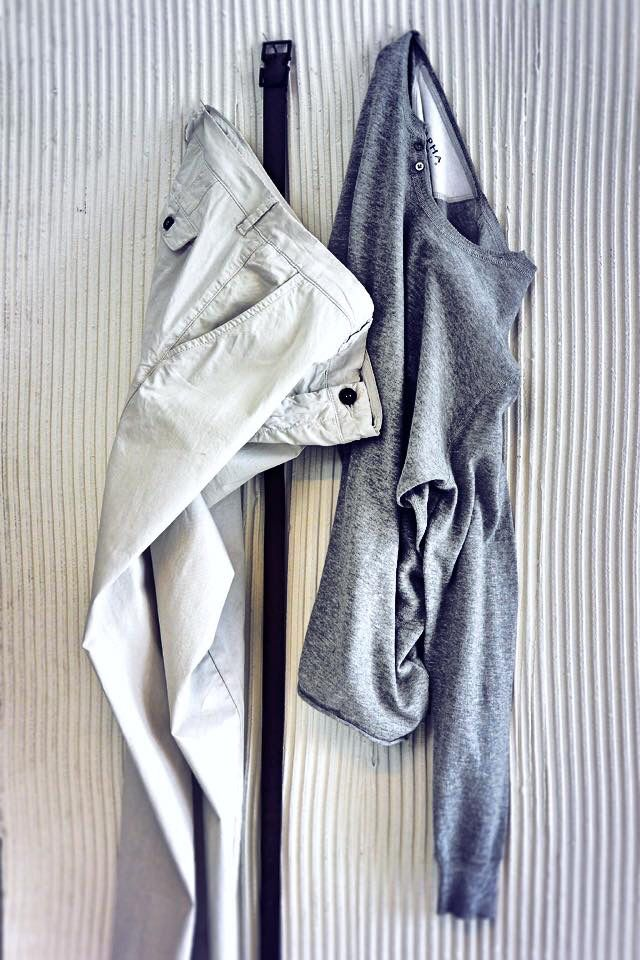 #AlphaStudio Tuesday outfit with mélange grey shirt & off-white pants!   #SS2015 #menswear #menstyle #mensfashion #fashion #outfit #outfitoftheday #glam #glamour #florence #shirt #pants #grey #knitwear #knit #style #stylish #stylishoutfit