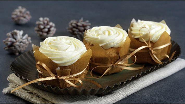 Kryddercupcakes med kremosttopping - Gjester - Oppskrifter - MatPrat