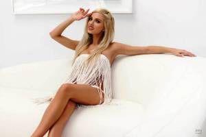 Τζούλια Νόβα, ένας ξανθός άγγελος! (photos+video)