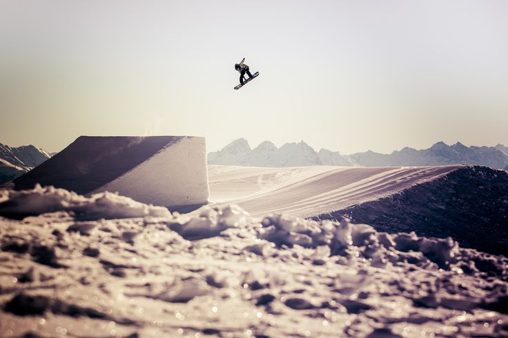 Sina Candrian in Laax // pic by Flo Jäger // Snowboarding // Head Snowboards // Lifestyle // Winter // Fun // ridehead //head snowbaords