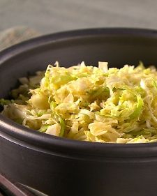 Japanese Cabbage Salad - made with red and white cabbage, a bit of toasted sesame oil, no lime, chili flakes, no safflower oil.