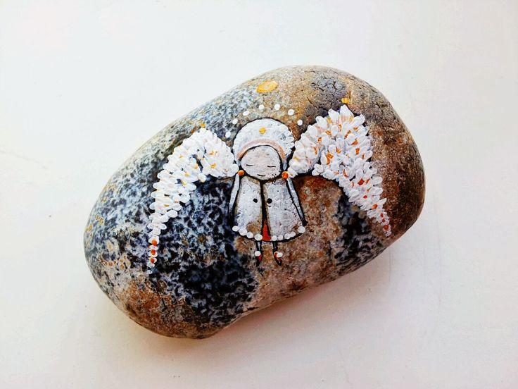 Lichtfladderaar . painting on stone . bij uitvaart . mourning