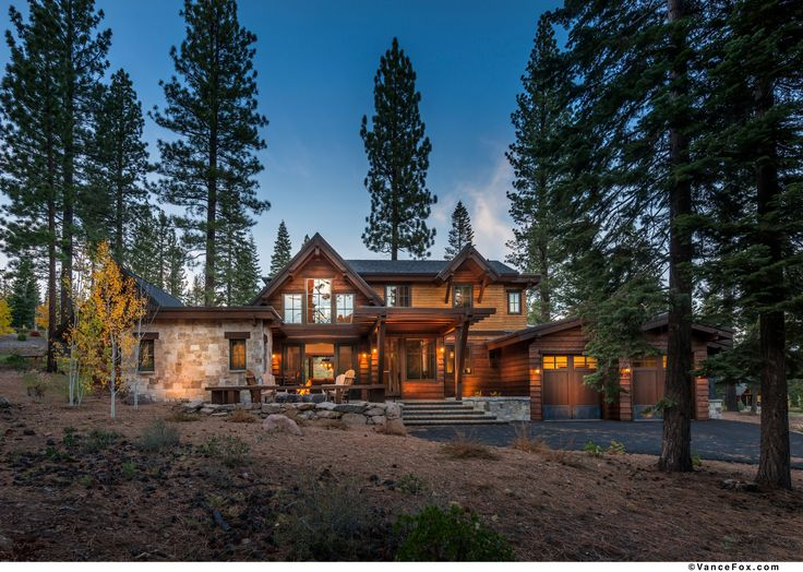 Modern cabin built by nsm construction in truckee ca for Log cabin builders in california