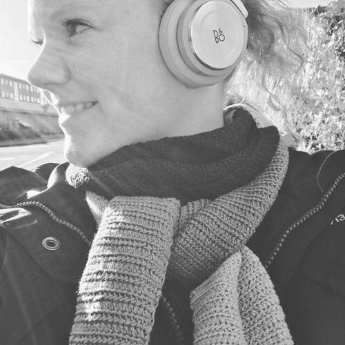 Min søde kæreste og svigerforældre overraskede mig i går med disse lækre B&O hovedtelefoner  #heldigkartoffel #B&O #bangolufsen #beoplay #h8 #natural #danish #design #headphones #wireless via Headphones on Instagram - Best Sound Quality Audiophile Headphones and High-Fidelity Premium Earbuds for Hi-Fi Music Lovers by AudiophileCans
