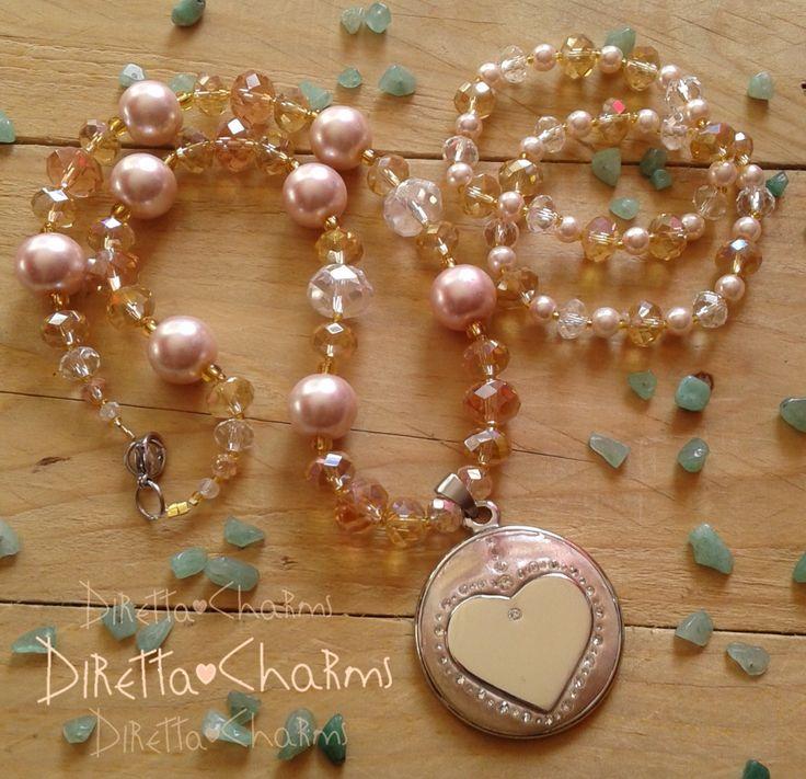Set en perlas y muranos con dije hecho a mano con masilla wglue, cristales y abalorio de corazón.  Pidelo en el color que más te guste.  Diretta ♥ Charms Accesorios que resaltan tus encantos.  Envíos nacionales e internacionales.  #DirettaCharmsAccesorios #DirettaAccesorios #perlas #pearls #jewelryhandmade #jewelry #accesories #inspiration #followme #art #fashion #beautiful #rose #muranoglass