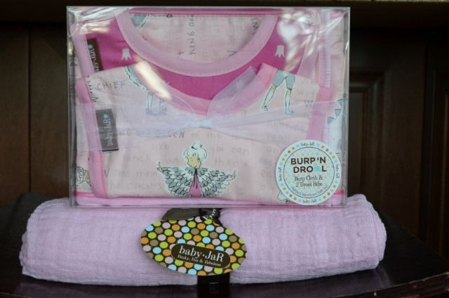 Baby JaR Burp'N Drool Gift Set and Muslin Swaddle {Review & Giveaway}