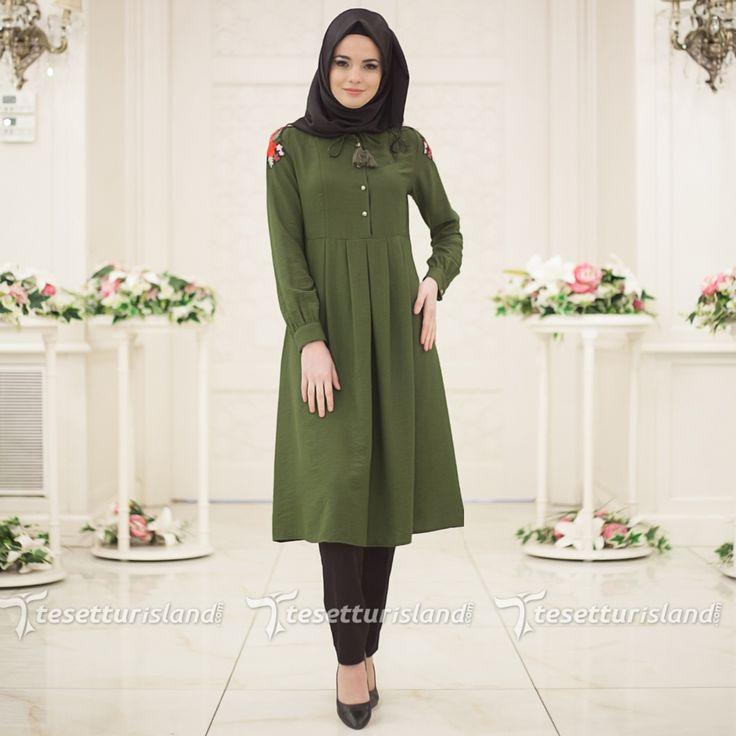 Hewes Line - Omzu Nakışlı Yeşil Tesettür Tunik 866Y #tesettur #tesetturabiye #tesetturgiyim #tesetturelbise #tesetturabiyeelbise #kapalıgiyim #kapalıabiyemodelleri #şıktesetturabiyeelbise #kışlıkgiyim #tunik #tesetturtunik