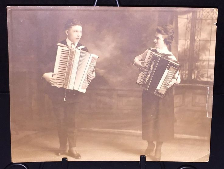Antique 1920's Photograph Couple Playing ACCORDIONS Laura Toniazzo PAOLO SOPRANI