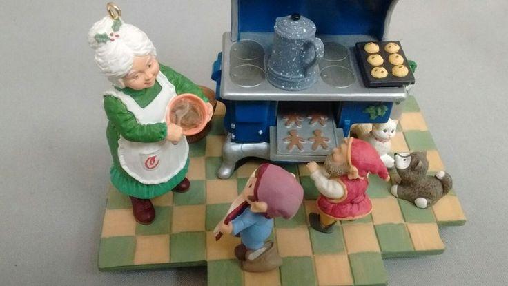 Hallmark Keepsake Signature Collection - #3 - Christmas Eve Bake-Off - 1995    eBay