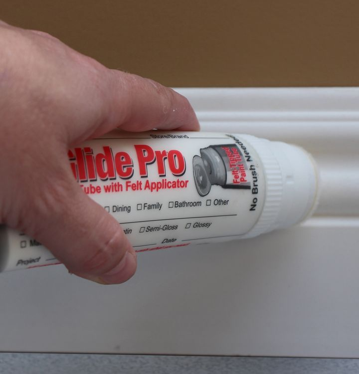 Touch up scuffs and marks on walls and baseboards. No paintbrush needed - reusable paint storage!