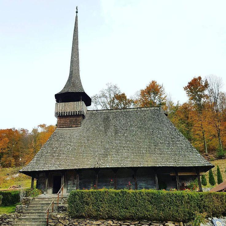 #Fall. #Church #churchstagram #nature #Transilvania #Transylvania #Romania #Cluj #Salaj