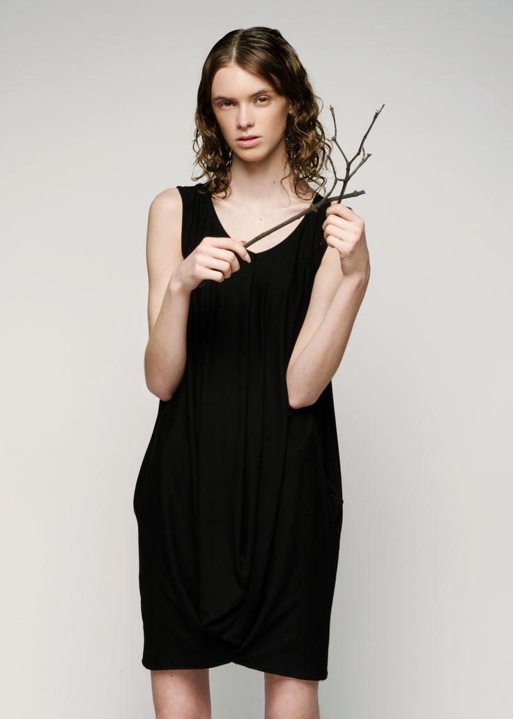 BELLE - sukienka | CORRUGA BLACK